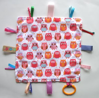 Taggie Snuggly Tag Toy Mini Blankie Comforter Taggy