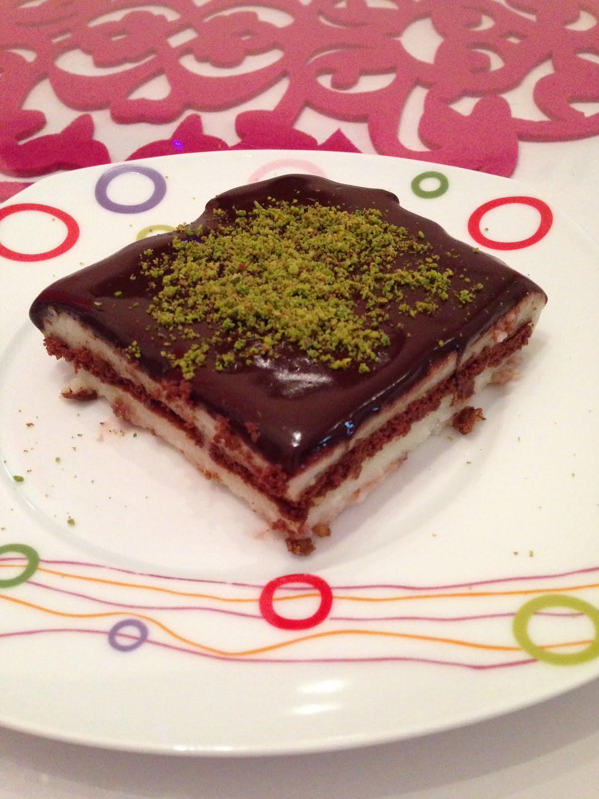 Çikolata Soslu İrmikli Muhallebi Videosu