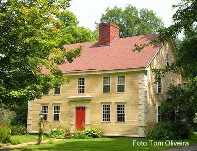 Casa residencial de madera estilo Colonial Temprano en Estados Unidos