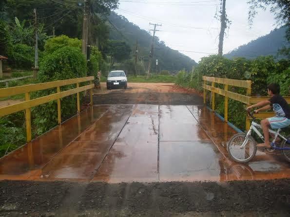 Prefeitura finaliza instalação da nova ponte da Serrinha