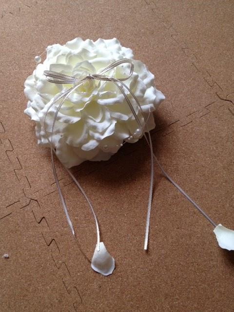 お花の手作りリングピロー