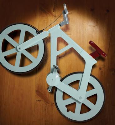 kabar--aneh.blogspot.com - Sepeda Unik Ini Dibuat Dari Kardus