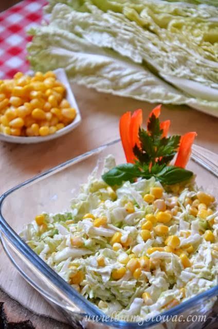 Surówka z kapusty pekińskiej i kukurydzy