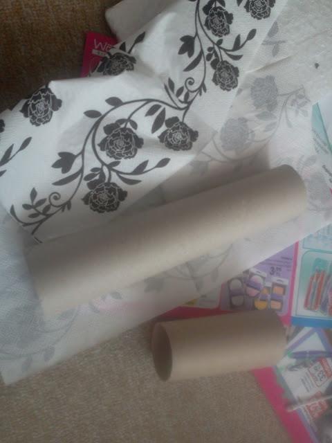 kendin yap-takı standı yapımı-dıy-tuvalet kağıdı rulosu değerlendirme