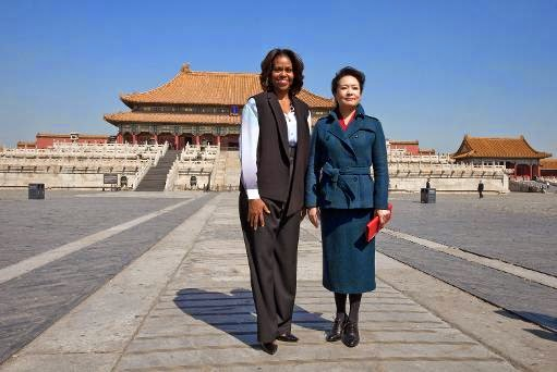 US First Lady Michelle Obama (L) and Peng Liyuan
