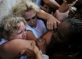 DE LUTO ETERNO HASTA QUE LLEGUE LA DEMOCRACIA A CUBA.