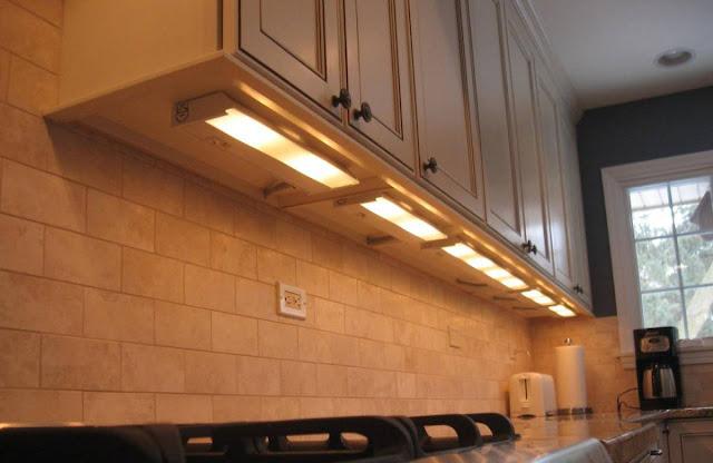 an inspiring under counter lighting close to modern ceramic backsplash