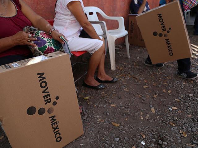 Venden en Internet y tianguis televisores entregados por Gobierno
