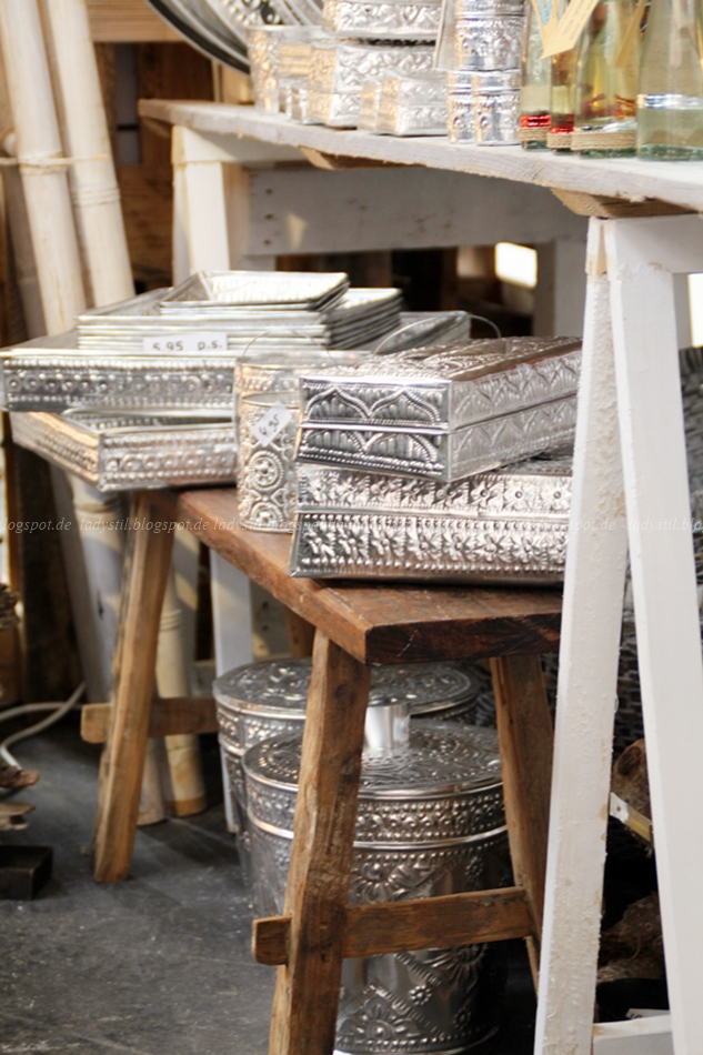 Bali Styling silberne Kisten mit Boho-Muster auf der Woonbeurs in Amsterdam