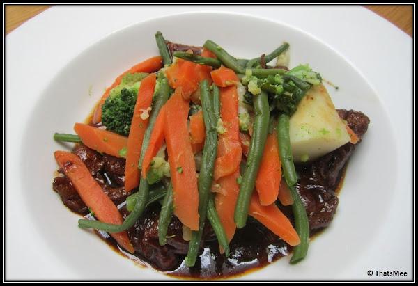 Restaurant Jaja, antre du vin carte, rue sainte-croix de la Bretonnerie Paris 3ème, plat menu navarin aux petits légumes