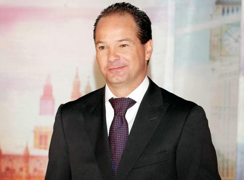 Comentarios Christian Martinoli y Luis Garcia PES 2011