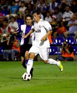 Mesut Özil con el Real Madrid ante el Hercules.