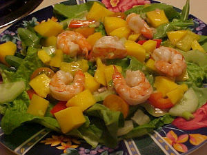 Salade  la mangue,  l&#39;avocat et aux crevettes,vinaigrette  l&#39;ail