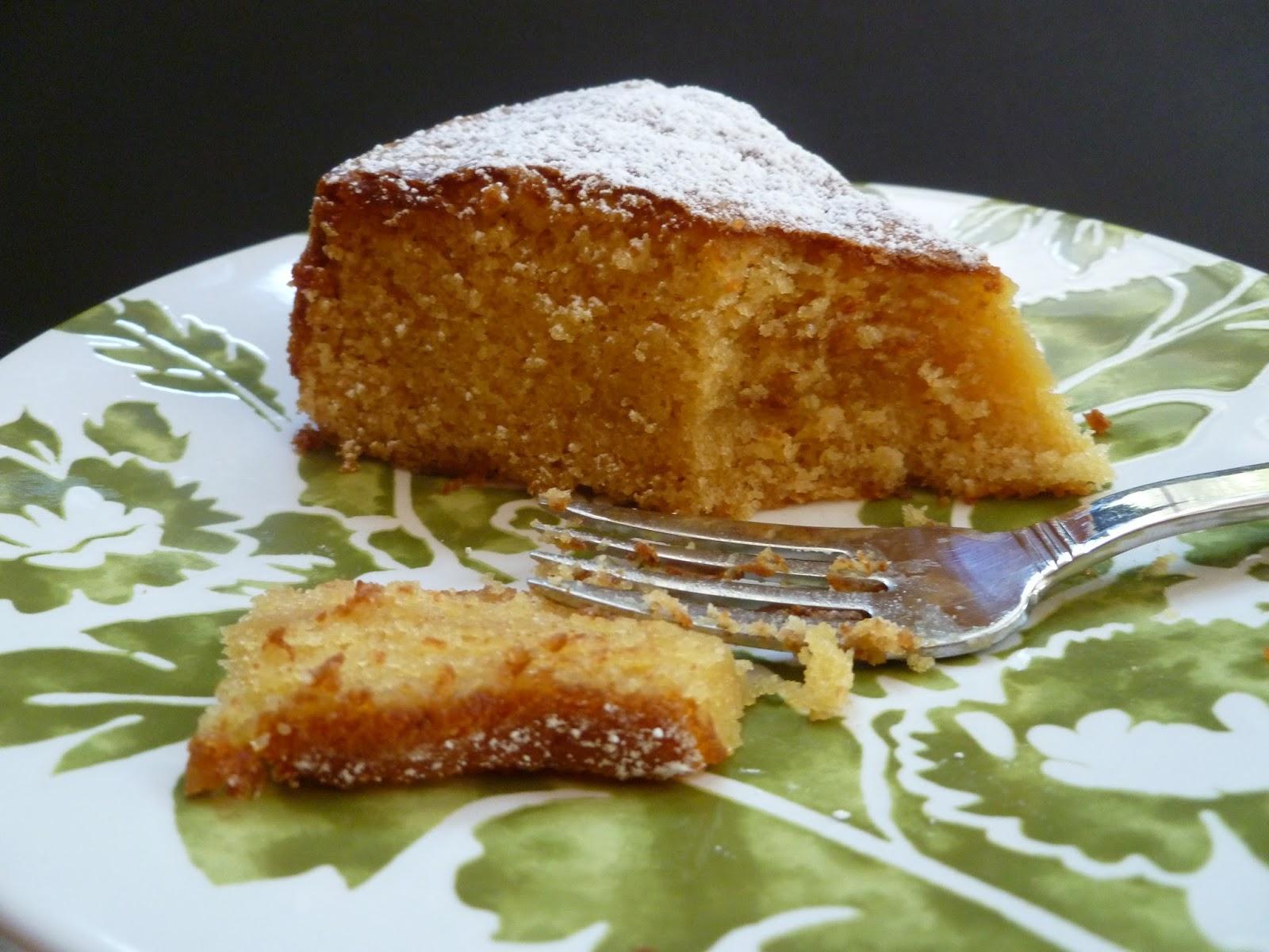Lindaraxa: Kitties, Peaches And Almond Torte