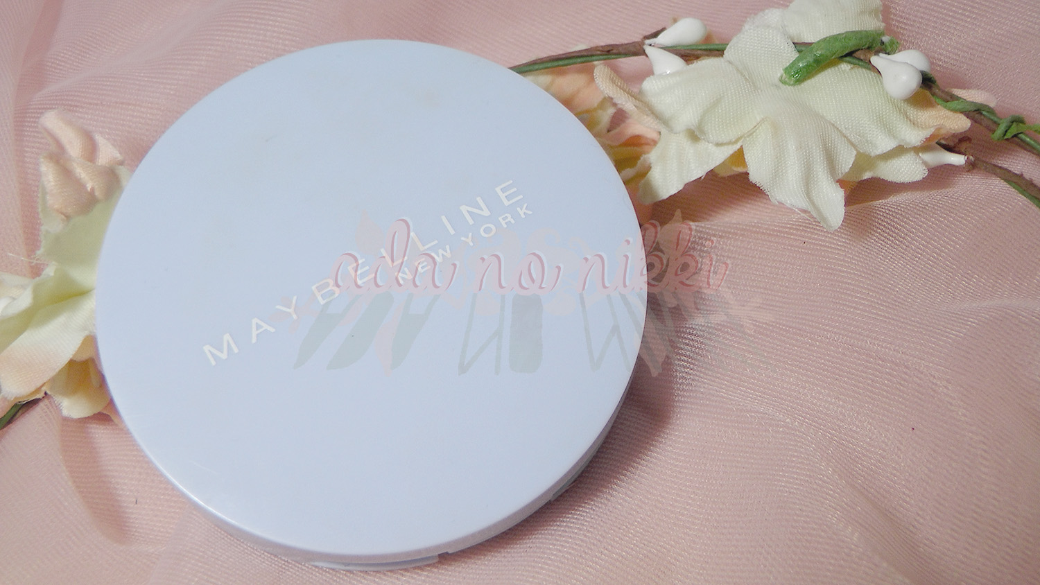 Maybelline's Clear Smooth Extra Shine-Free Powder Foundation