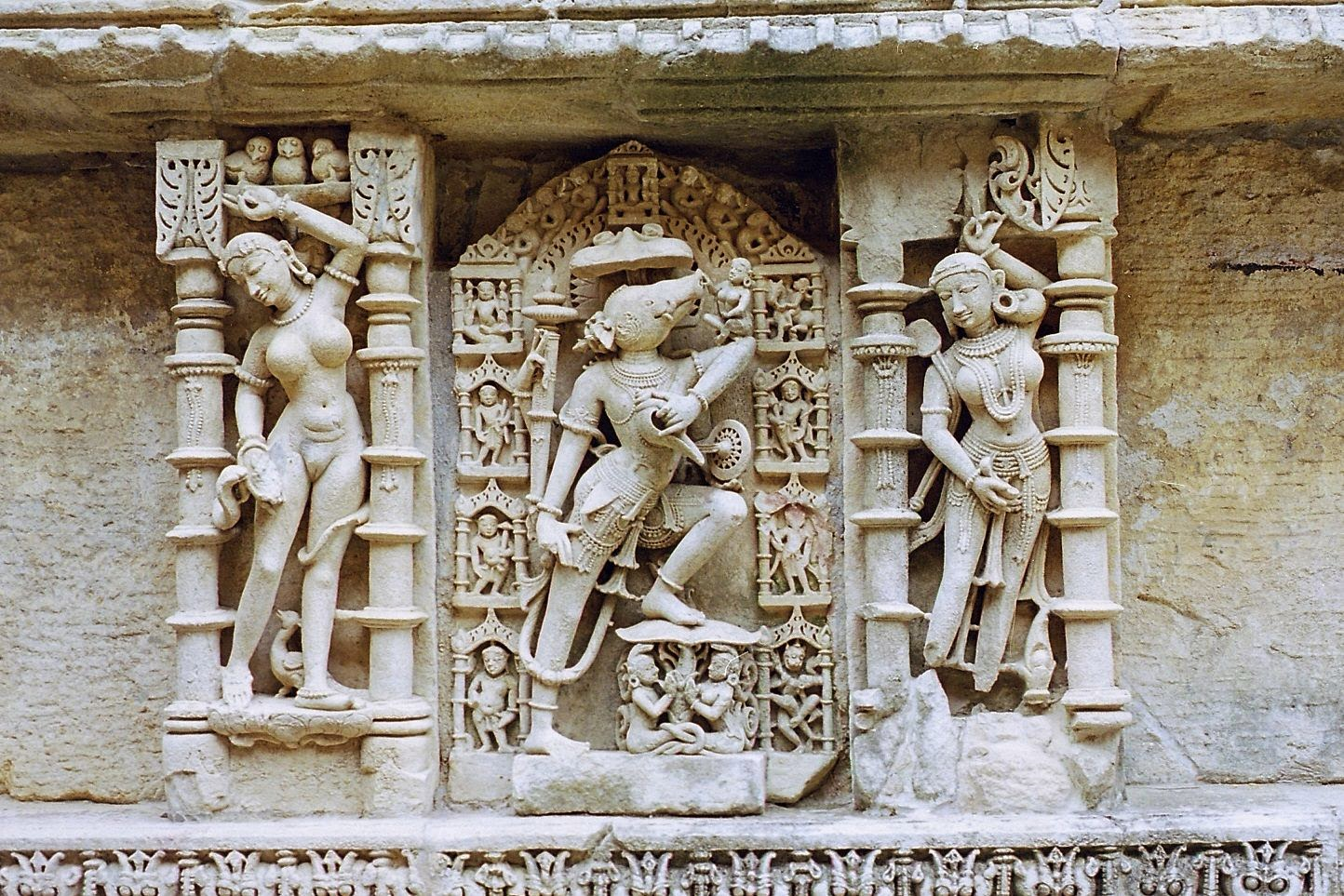 sculptures of Vishnu at Rani ki Vav in Gujrat, India