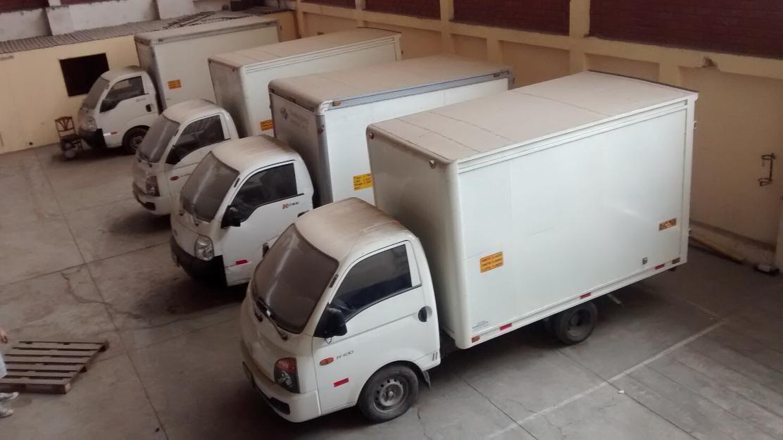 Servicios de transporte de carga y pasajeros empresa de for Carros para transportar
