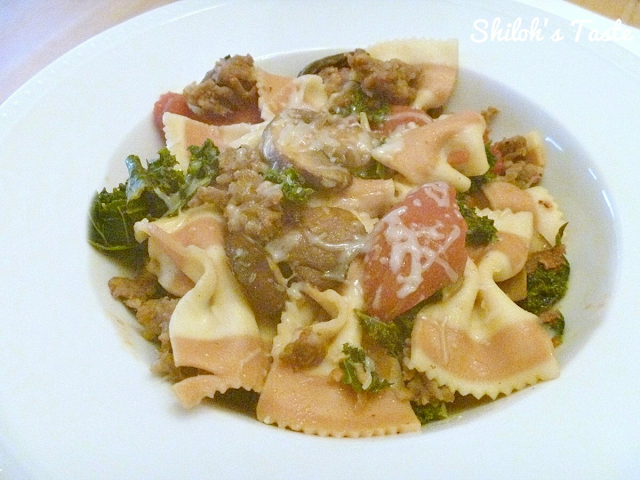 Farfalle with Sausage and Kale | www.shilohstaste.com #easy #pasta #kale