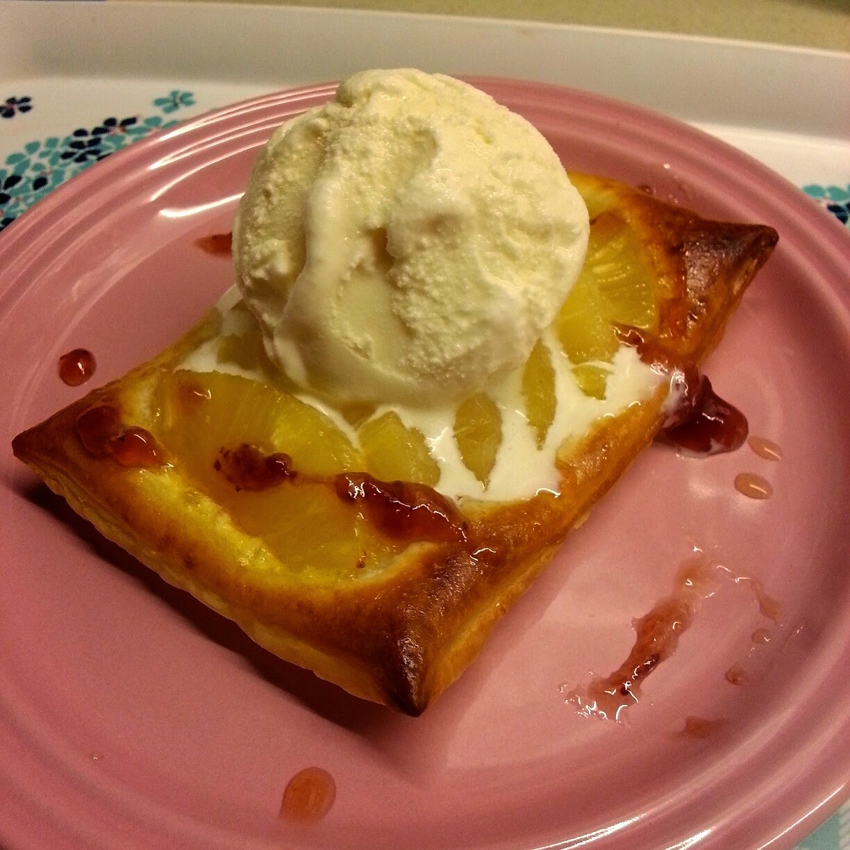 ... Kitchen: 酥皮食譜2:(甜點)菠蘿酥配雲呢拿雪糕