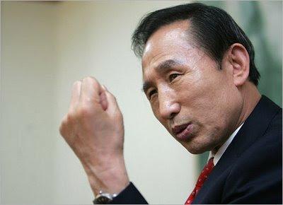 http://2.bp.blogspot.com/-29slCkq6jrY/TpRJbbjG9FI/AAAAAAAAEgc/kXTkBPnF_y4/s400/Lee%2BMyung-bak_South%2BKorean%2BPresident-1.jpg