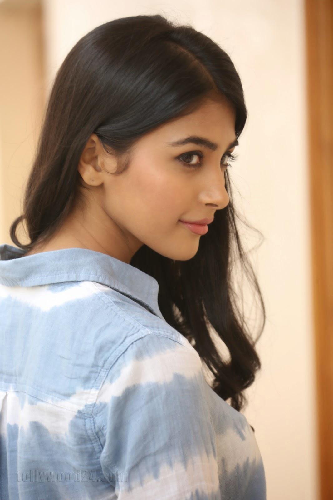 Pooja hegde gorgeous photo shoot-HQ-Photo-6