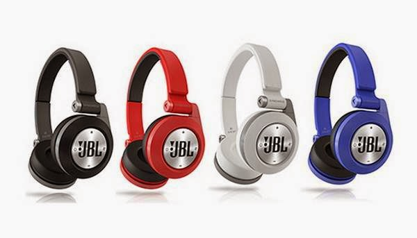 JBL Synchros E40BT on-the-ear headphones.