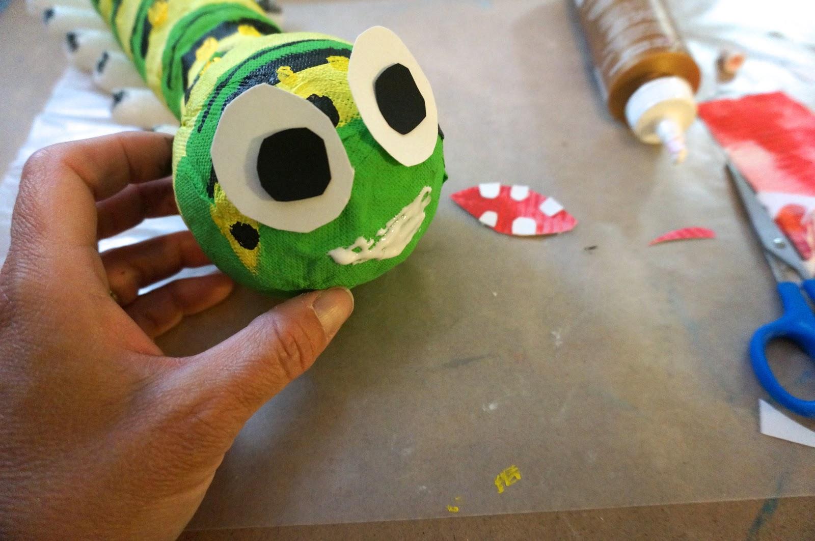 Гусеница из носка своими руками - Учебно-методический кабинет 39