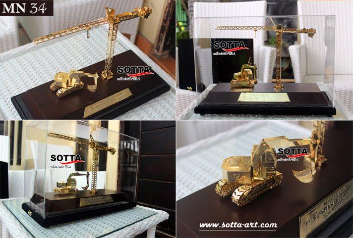 replika,crane,miniatur alat berat,miniatur crane,miniatur gedung,miniatur mpr,replika gedung,indonesia miniatur