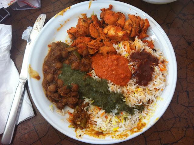 טאלי אוכל הודי