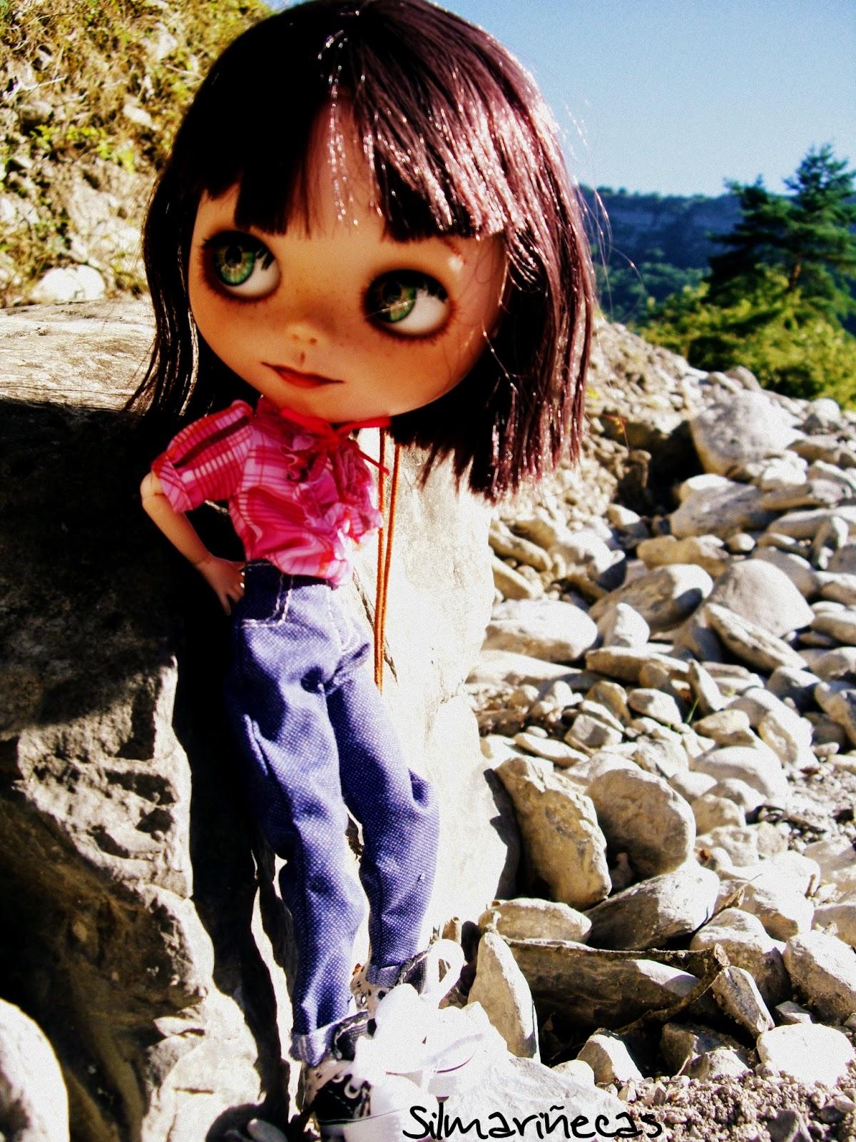 caty mi basaak doll en Delika