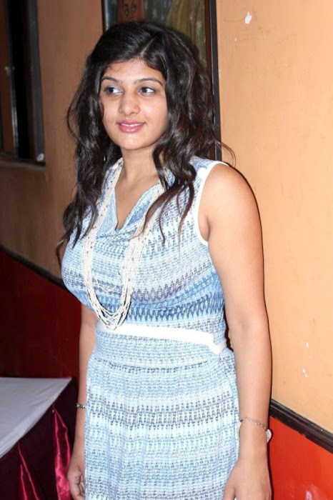 thuttu-sona chopra-huge--_tihghs photo gallery