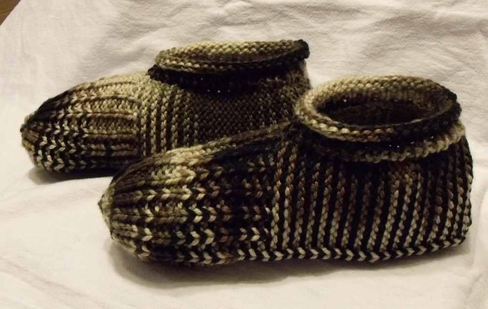 Knitting Grandma Slippers : Kweenbee and me: knitted slippers just like grandma made