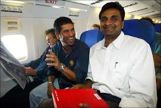 Javagal-Srinath-Sachin-aeroplane