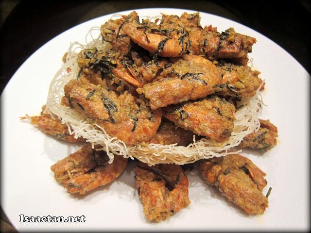 Wok Fried Fresh Tiger Prawns with Salted Egg Sauce