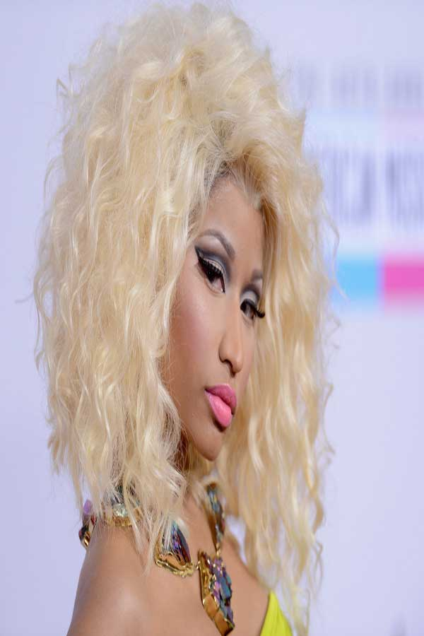 nicki minaj curly hairstyles nicki minaj curly pink hair