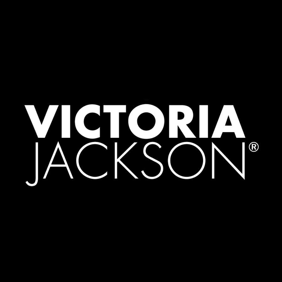 Review: Victoria Jackson Cosmetics Survival Kit.  Perfect for the polished professional #LoveVJC
