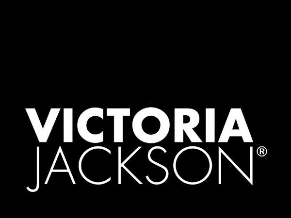 Review: Victoria Jackson Cosmetics Survival Kit.  Perfect for the polished professional
