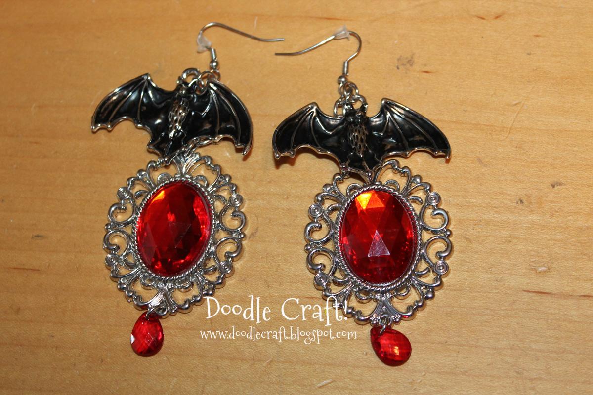 Doodlecraft: Halloween Jewelry and Beaded Spider!
