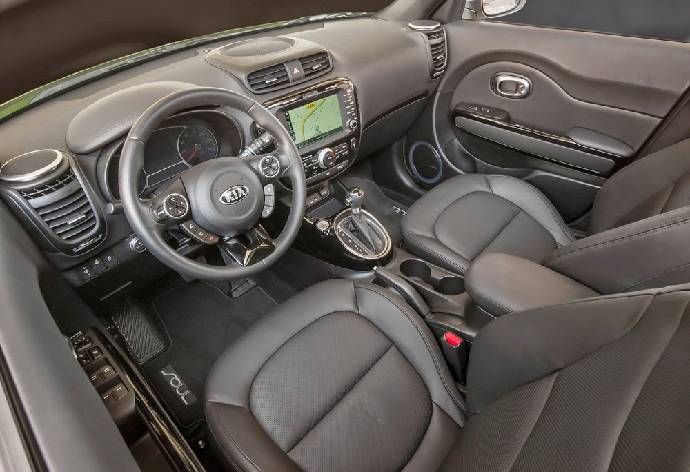 Kia Soul Exclaim interior