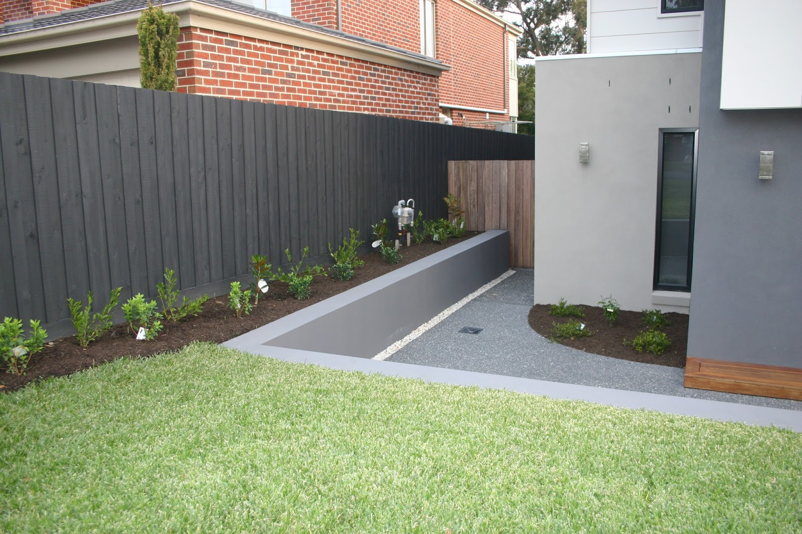 Cam kirsten building our new home with metricon where for Outdoor fence paint