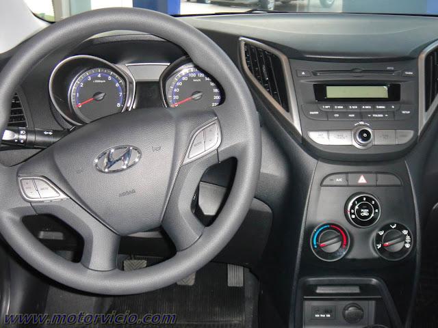 Hyundai HB20 Branco - interior