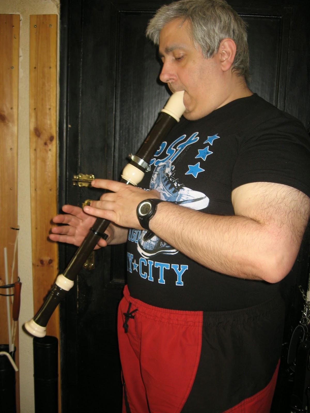 3 Cómo hacer un botón de pulgar para apoyar tu Flauta Dulce o de pico
