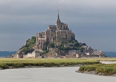 [Image: Mont-Saint-Michel-02.jpg]