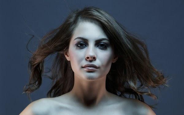 Emily Lineham Nude Photos 42