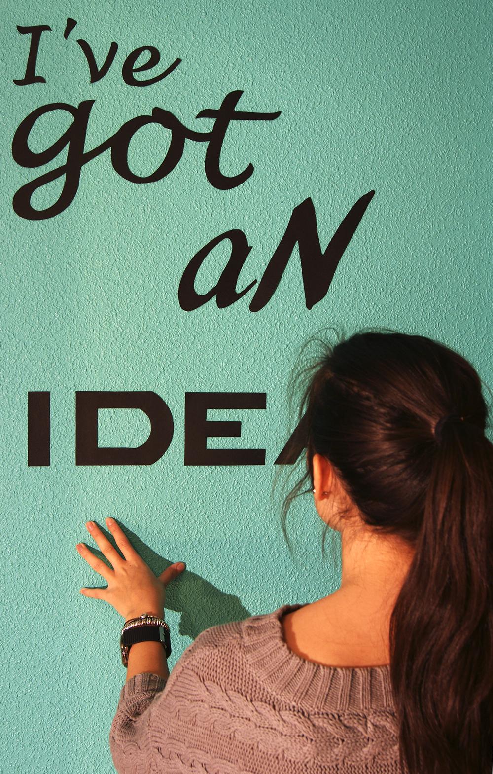 E l e n a r q u i t e c t a dc decorar la pared - Plantillas de letras para pintar paredes ...