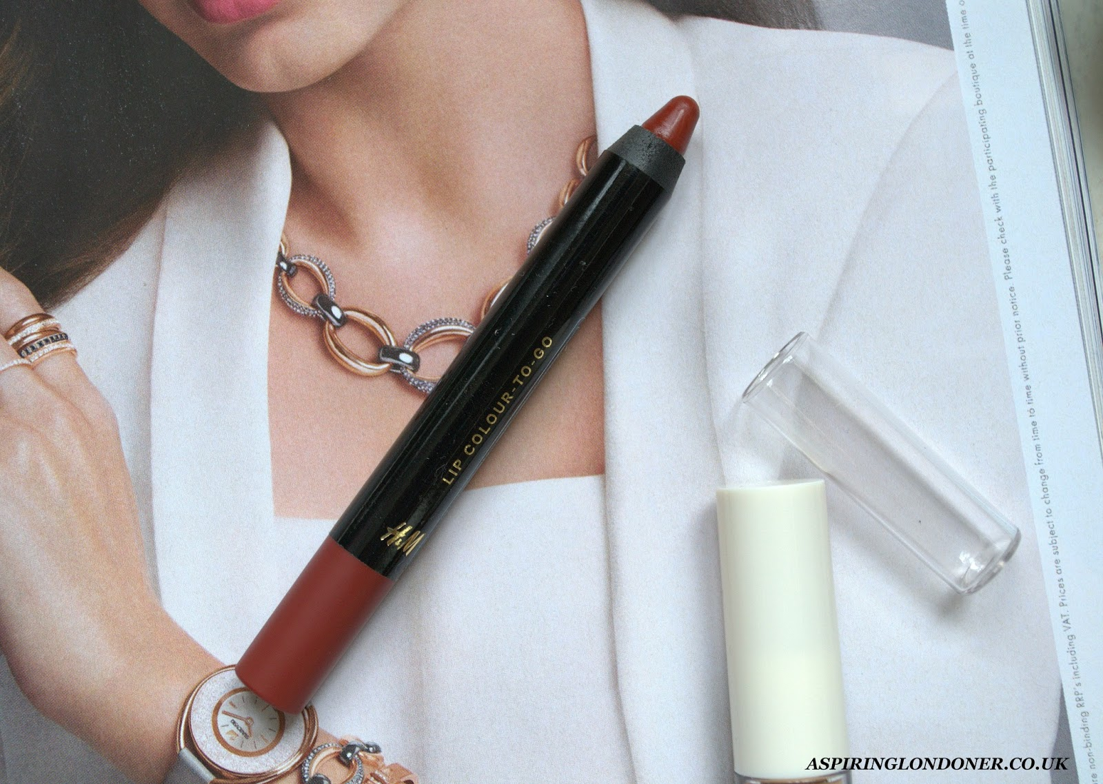 H&M Beauty Lip Colour To Go Curtain Call Review Swatch - Aspiring Londoner