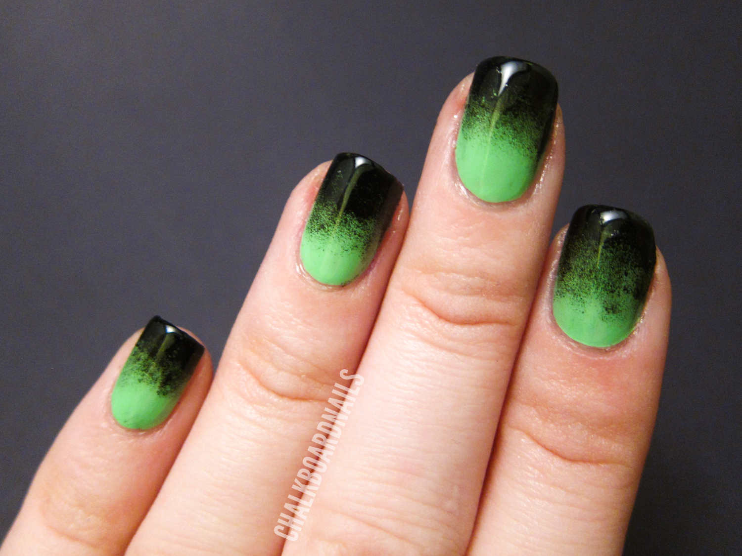 Festive Green Gradient | Chalkboard Nails | Nail Art Blog