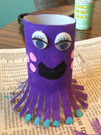 Fun octopus craft with toilet paper rolls for Toilet paper roll crafts for adults