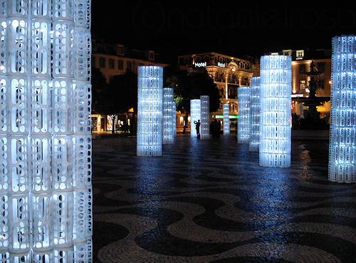 Ikea Wickelkommode Hemnes Neupreis ~ Lisbon Lights Up with Modern Christmas Decorations  Urbanist