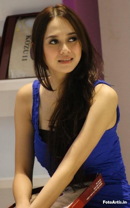 Model Foto Aura Kasih Hot